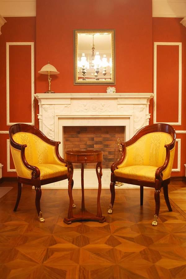 кресло Cugini Lanzani 53-53-90h 2.813уе столикTosato d36 490ye